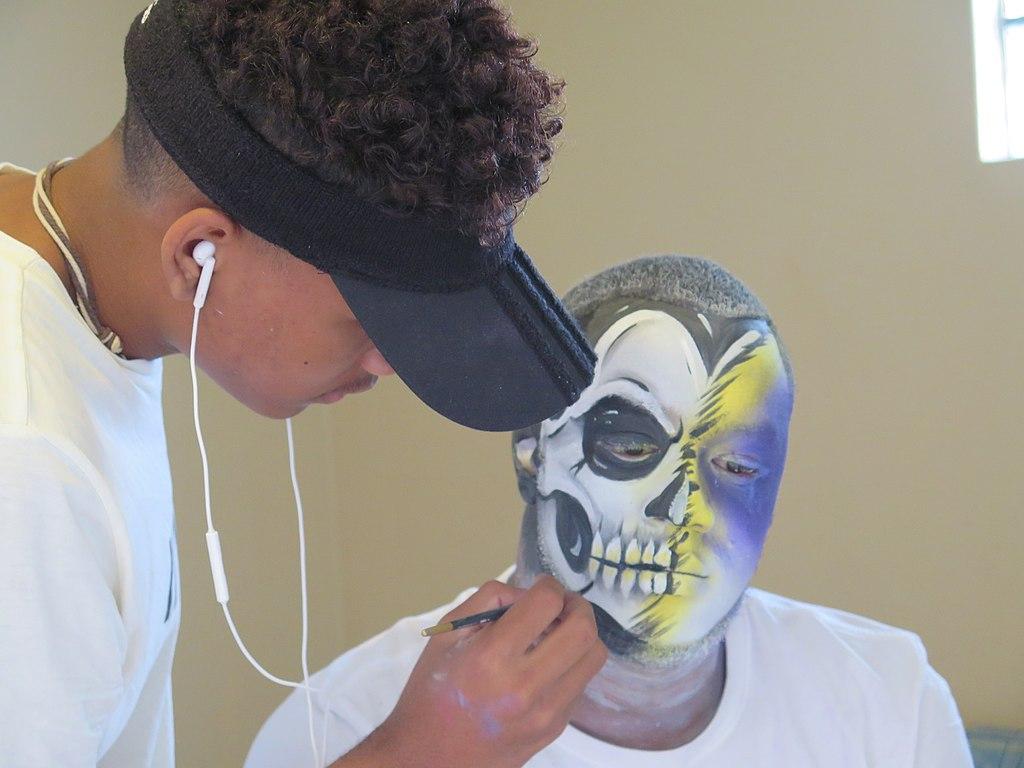Peinture du visage: apprenez grâce à Youtube!